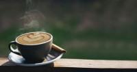 3. Minum kopi