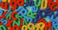4. Kenalkan alfabet dalam berbagai media