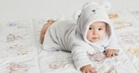 Perkembangan Bayi Usia 3 Bulan 3 Minggu: Meriahnya Tawa dan Ocehannya