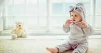 1. Kapan bayi mulai belajar duduk