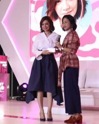 2. Najwa Shihab bangga menjadi Millennial Mama
