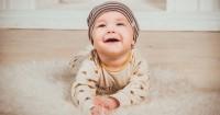 3. Bayi April tidak bisa diam