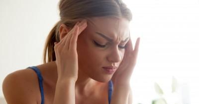 5 Cara Mengatasi Sakit Kepala saat Haid
