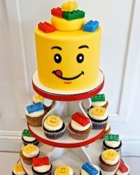 4. Kue ulang tahun lego