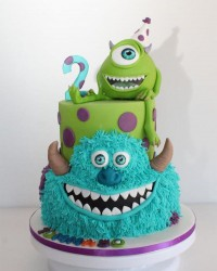 5. Kue ulang tahun berbentuk monster