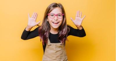 7 Cara Membesarkan Anak Perempuan Yang Percaya Diri