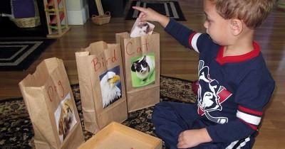 5 Ide Busy Bag untuk si Kecil Bermain, Mudah Dibawa ke Mana Saja!