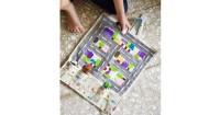 4. Membuat mainan dari kertas plastik kain