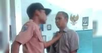 3. Murid bullyseorang guru Gresik
