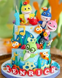 3. Kue ulang tahun baby shark