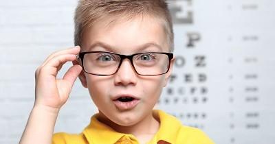 Cara Mengatasi Mata Minus pada Anak, Tak Hanya dengan Makan Wortel!