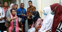 2. Tangis Menteri Yohana jatuh saat bertemu anak berkonflik hukum (ABH)
