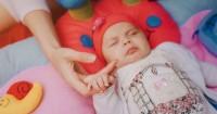 2. Mimpi buruk menyebabkan anak menangis histeris