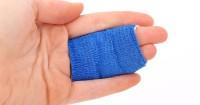 6. Jangan terlalu kencang membalut luka