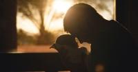 3. Berikan keselamatan bagi istri anak