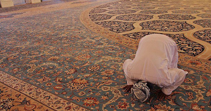 Niat, Doa, dan Waktu yang Tepat untuk Salat Taubat saat Bulan Ramadan