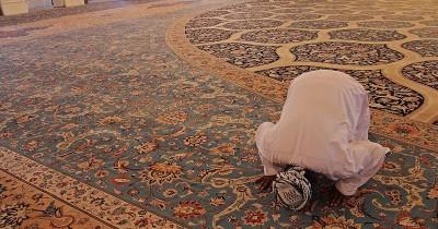 Niat, Doa, Waktu Tepat Salat Taubat saat Bulan Ramadan