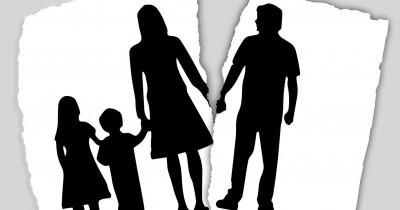 Pertimbangkan Baik-Baik, Begini 7 Efek Perceraian Orangtua Bagi Anak