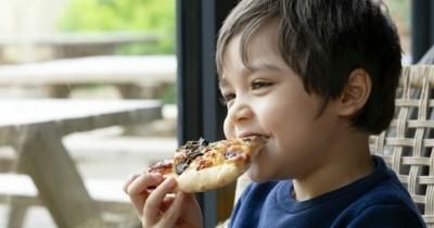 5 Cara Membuat Anak Mau Mencoba Makanan Baru