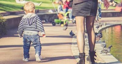 9 Trik Bisa Mama Lakukan Agar si Kecil Cepat Berjalan