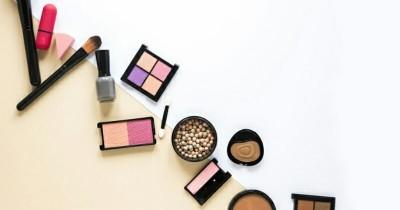 5 Cara Pemakaian Makeup Waterproof Tepat