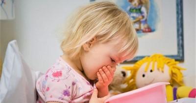 Tetap Tenang! Begini Penjelasan Tentang Anak Muntah-Muntah Tanpa Demam