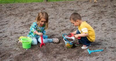 7 Cara Meningkatkan Kreativitas Anak, Dimulai dari Orangtua ya, Ma!