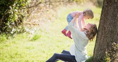 7 Cara Merangsang Kecerdasan Anak Usia 1 Tahun