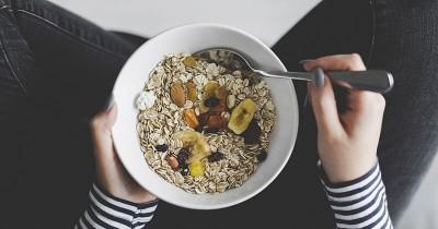 7 Manfaat Sehat Konsumsi Oatmeal Ibu Hamil