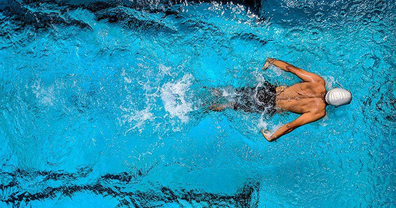 3. Berenang