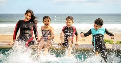 Mengisi Liburan Sekolah, Bolehkah Ajak Anak Berenang Saat Puasa