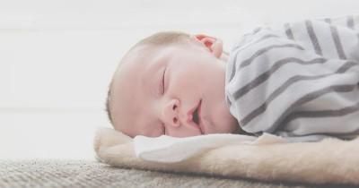 Demi Kesehatan, Kenali 5 Cara Mengurangi Keringat Dingin pada Bayi