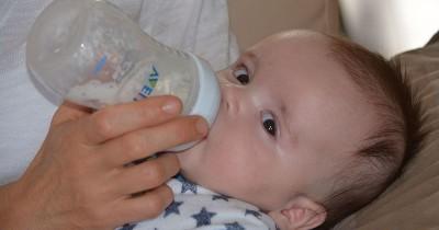9 Kesalahan Menyajikan Susu Formula, Awas Bayi Bisa Sakit lho Ma