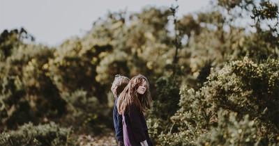 5 Panduan Orangtua Saat Anak Mulai Jatuh Cinta dan Pacaran