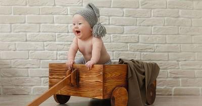 15 Rangkaian Nama Bayi Laki-Laki yang Lahir Bulan Juni Beserta Artinya