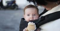 Perkembangan Bayi Usia 4 Bulan: Riangnya Berguling dan Mengoceh