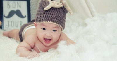 Perkembangan Bayi Usia 5 Bulan 3 Minggu Seru Mengenal Warna