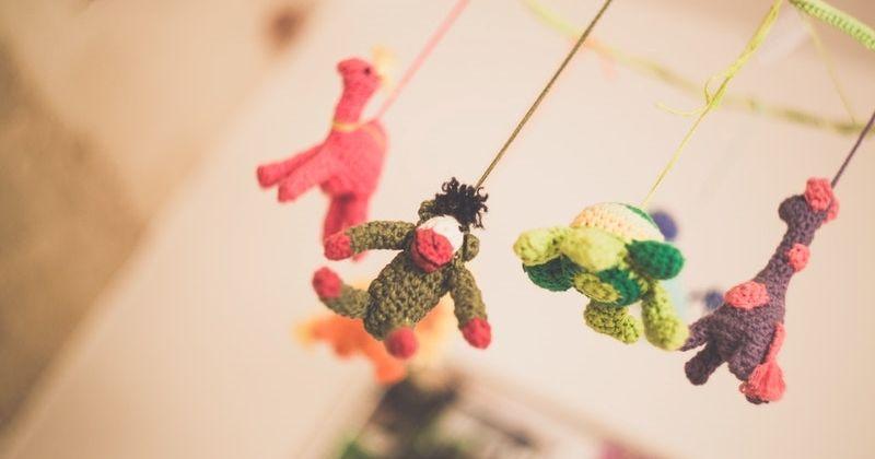3. Mainan gantung