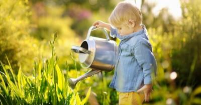 5 Cara Bijak Membuat si Kecil Mencintai Bumi Sejak Dini