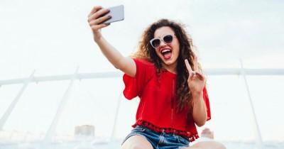 Tanpa Aplikasi, Ini Dia 5 Trik Buat Wajah Terlihat Tirus Ketika Difoto