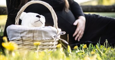 7 Tips Ibu Hamil Tetap Nyaman Saat Perjalanan Jauh
