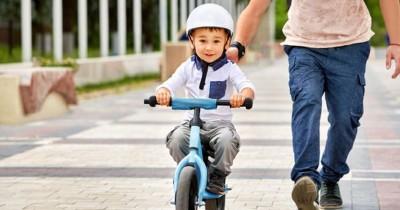 Mudah! Ini 7 Cara Efektif Mengajarkan Anak Naik Sepeda