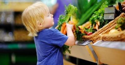 5 Imbalan yang Bisa Diberikan pada Anak yang Suka Bantu Orangtua