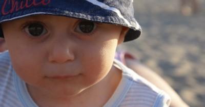 Ini 9 Cara Mudah Ampuh Mengatasi Biang Keringat Bayi