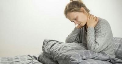 Sakit saat Menengok Ini Dia 5 Cara Mudah Mengatasi Leher Kaku