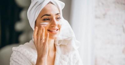 6 Rekomendasi Produk Skincare yang Mengandung Tea Tree Oil