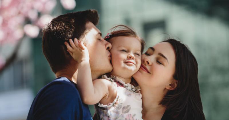 Apa yang Menentukan Kemiripan Wajah Bayi dan Orangtua?