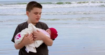 Mempersiapkan Mental Anak Terhadap Kehadiran Bayi Baru