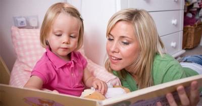 Ungkap 5 Daftar Kesalahan Orangtua Saat Mengajari Balita Membaca