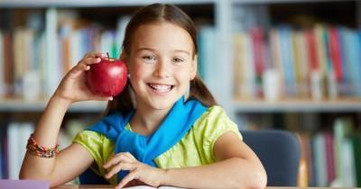 10 Buah Bagus Menjaga Kesehatan Anak